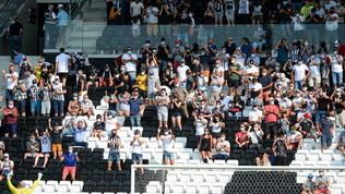 La Francia fa marcia indietro:da 5.000 a 1.000 i tifosi allo stadio
