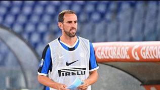 Cagliari, ora è ufficiale: Godin ha firmato fino al 2023