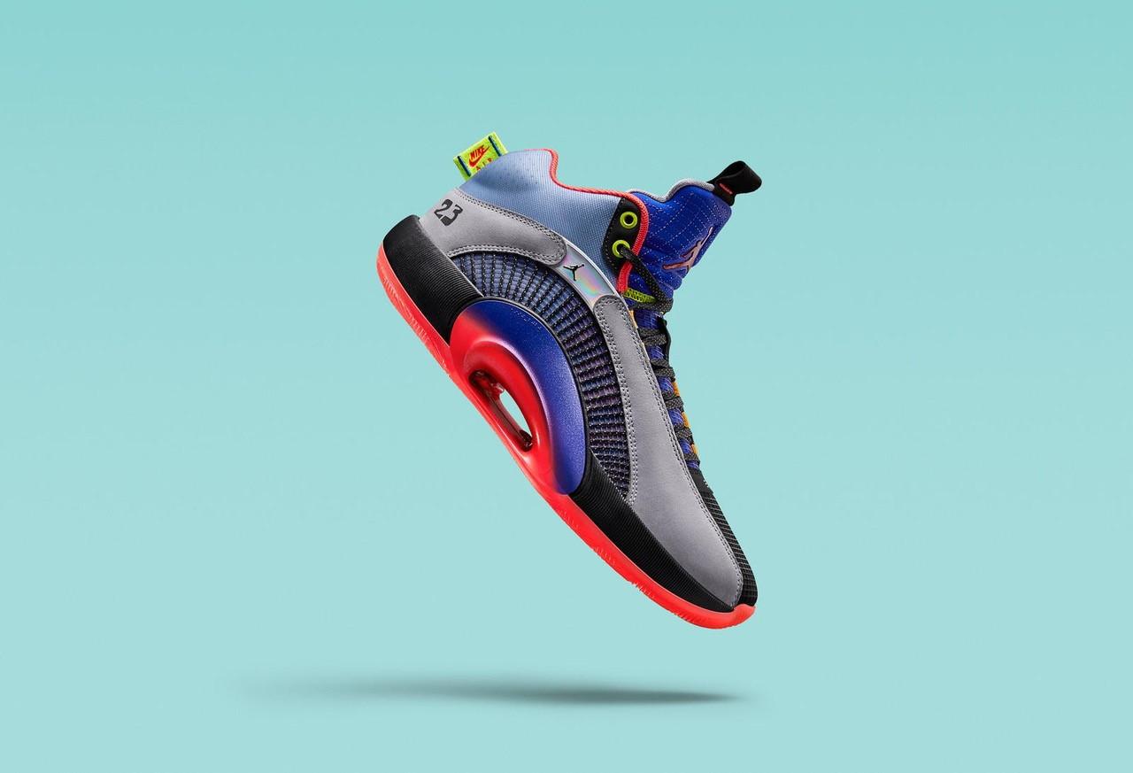 Jordan brand ha presentato le nuove&nbsp;Air Jordan XXXV&nbsp;che racchiudono i 35 anni di continue innovazioni, che da sempre guidano la storia e l&rsquo;evoluzione del brand per poter garantire l&rsquo;eccellenza in campo. Miglioramento della Zoom Air unit ed un design che unisce performance ed innovazione estetica, sono solo alcune delle caratteristiche della nuova Air Jordan che &ldquo;&egrave; - e sempre sar&agrave; -la scarpa pi&ugrave; importante prodotta annualmente&rdquo;, come afferma Craig Williams, Presidente di Jordan Brand.<br /><br />  &nbsp;<br /><br />