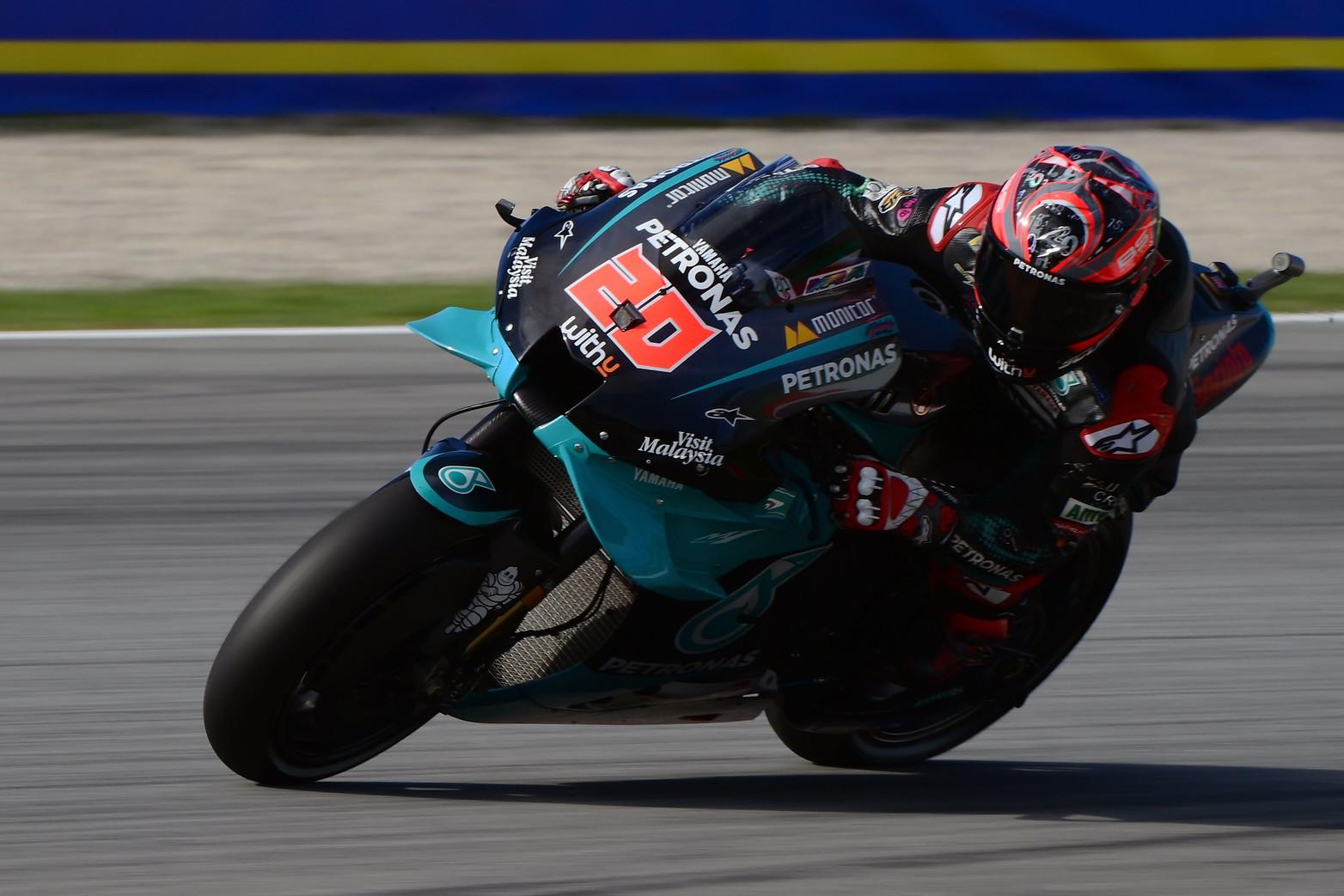 Il pilota del team Petronas conquista la pole position davanti a Quartararo e al futuro compagno Valentino Rossi<br /><br />
