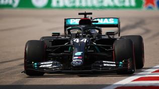 Hamilton, pole con il brivido a Sochi. Le Ferrari si fanno male da sole
