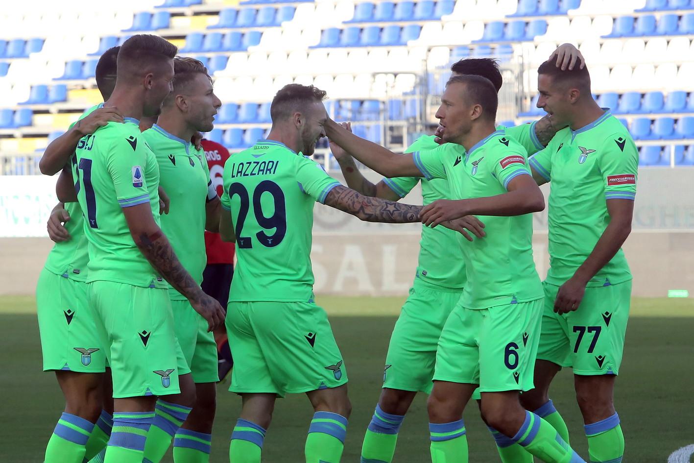 I biancocelesti si impongono 2-0 con i gol di Lazzari e Immobile<br /><br />