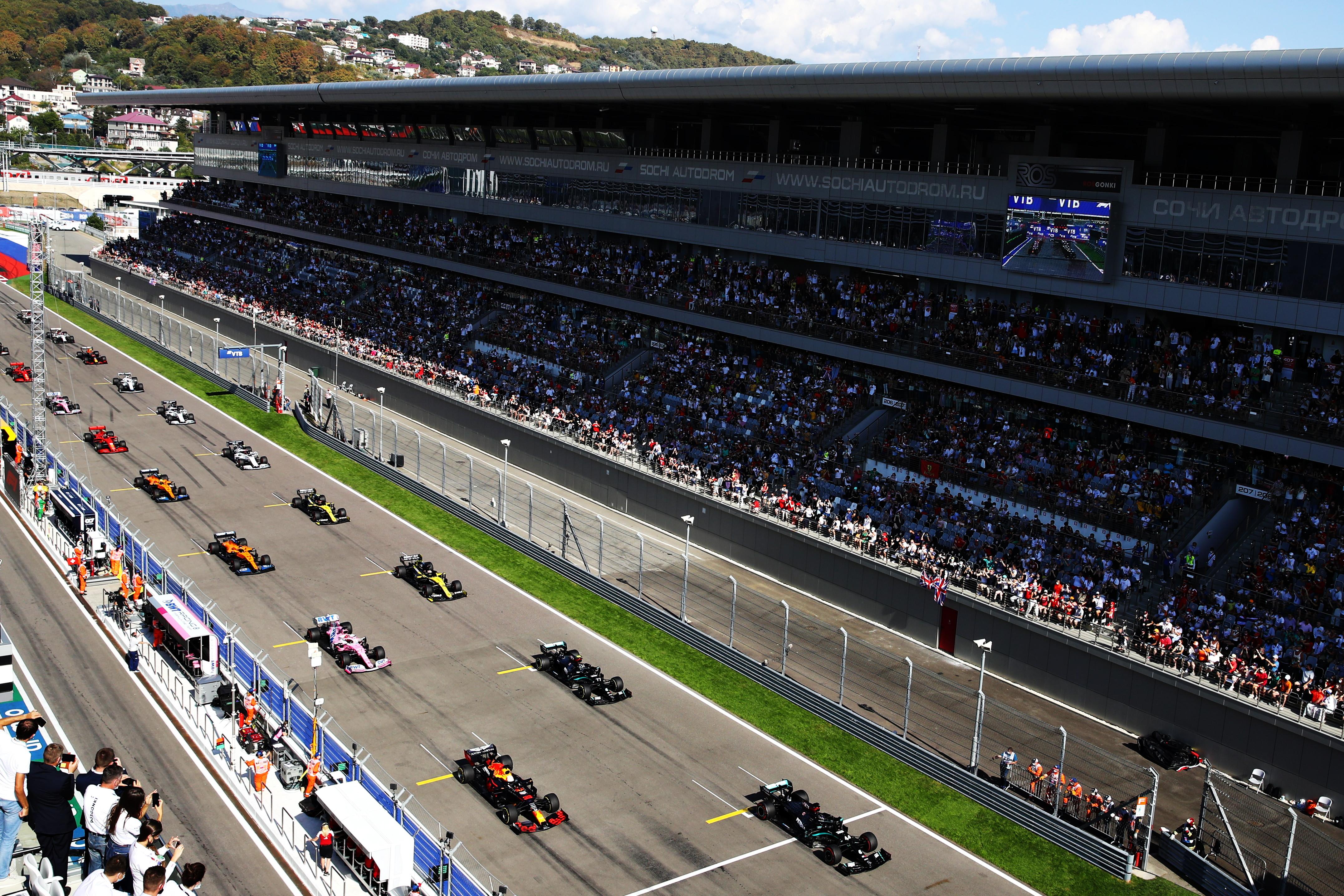 Hamilton chiude solo terzo e rimanda la festa per le 91 vittorie come Schumi. Vince Bottas davanti a Verstappen, Ferrari dignitosa con Leclerc.<br /><br />