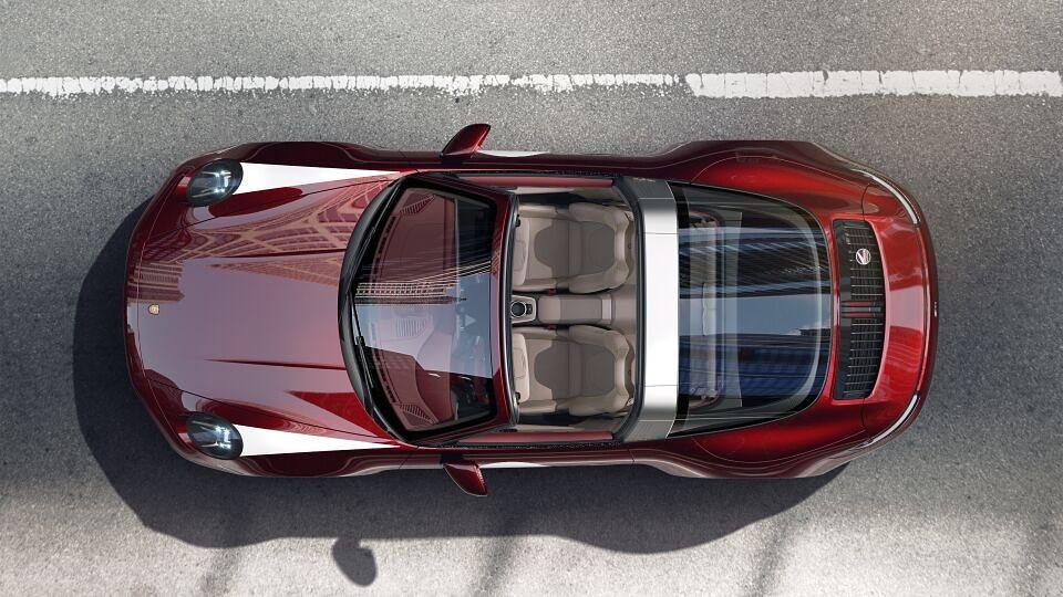 Porsche 911&nbsp;Targa&nbsp;4S Heritage&nbsp;Design&nbsp;Edition: &egrave; questo il regalo che Zlatan Ibrahimovic si &egrave; fatto per i suoi 39 anni. Lo svedese ha svelato&nbsp;la sua nuova supercar&nbsp;su Instagram: &quot;Happy Birthday to Zlatan&quot;. Bolide da 200mila euro ed &egrave; una versione speciale&nbsp;limitata a 992 esemplari in tutto il mondo.<br /><br />