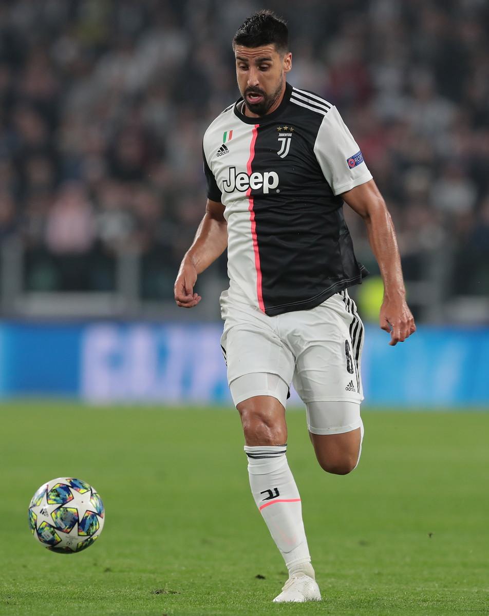 Khedira (Juventus): anche nell'ultimo giorno i bianconeri hanno provato a trovare un accordo col centrocampista per la risoluzione del contratto, senza riuscirci. Ora cercherà di riguadagnare posizioni nel progetto di Pirlo
