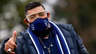 """Maradona, tampone negativo: """"Grazie a Dio io e la mia famiglia non abbiamo il Covid"""""""