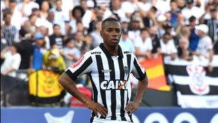 Robinho per la quarta volta al Santos. Guadagnerà 230 euro al mese