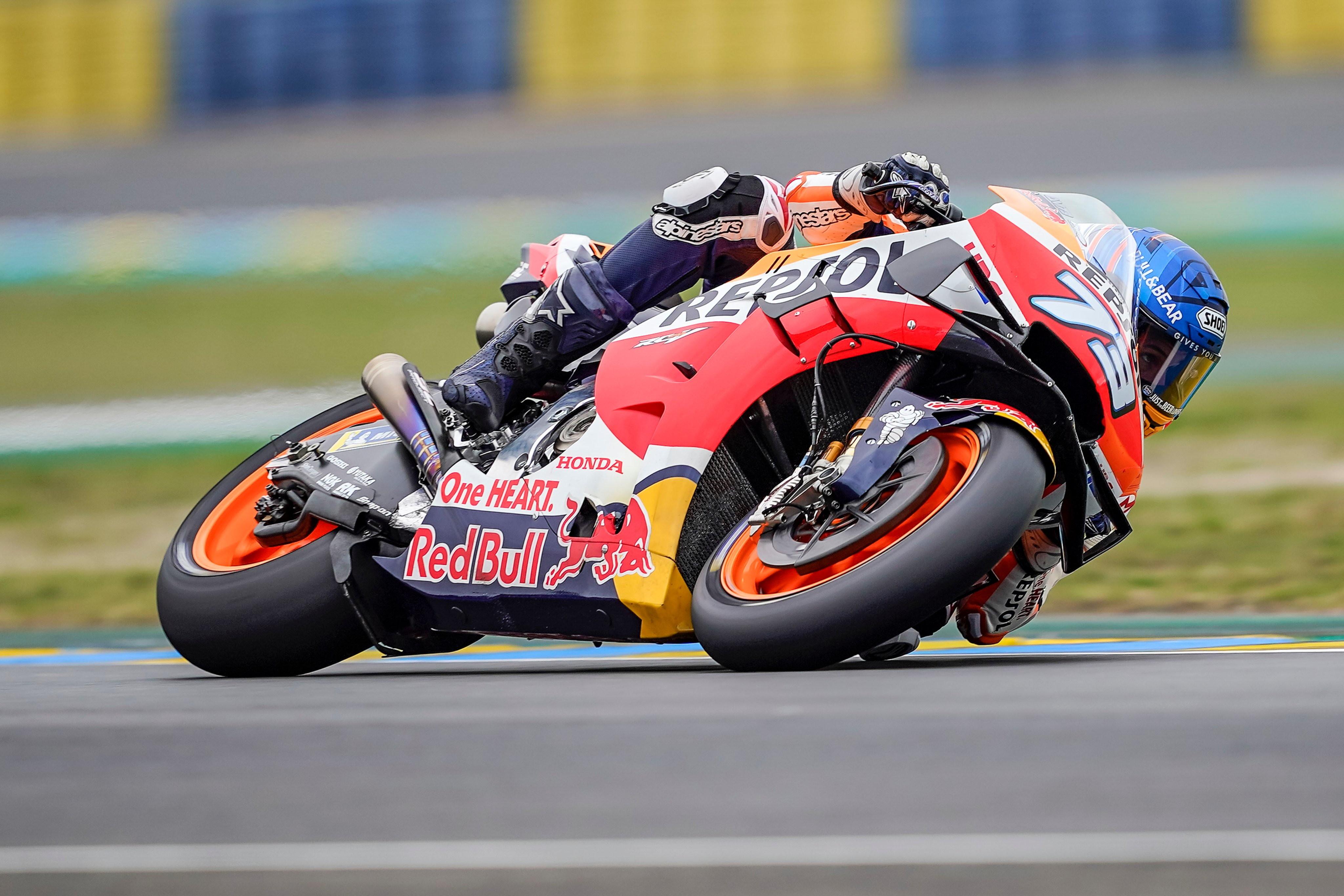 Primo successo stagionale per il ducatista, nella stagione d&#39;esordio in MotoGP arriva anche il primo podio stagionale per il fratello di Marc Marquez<br /><br />