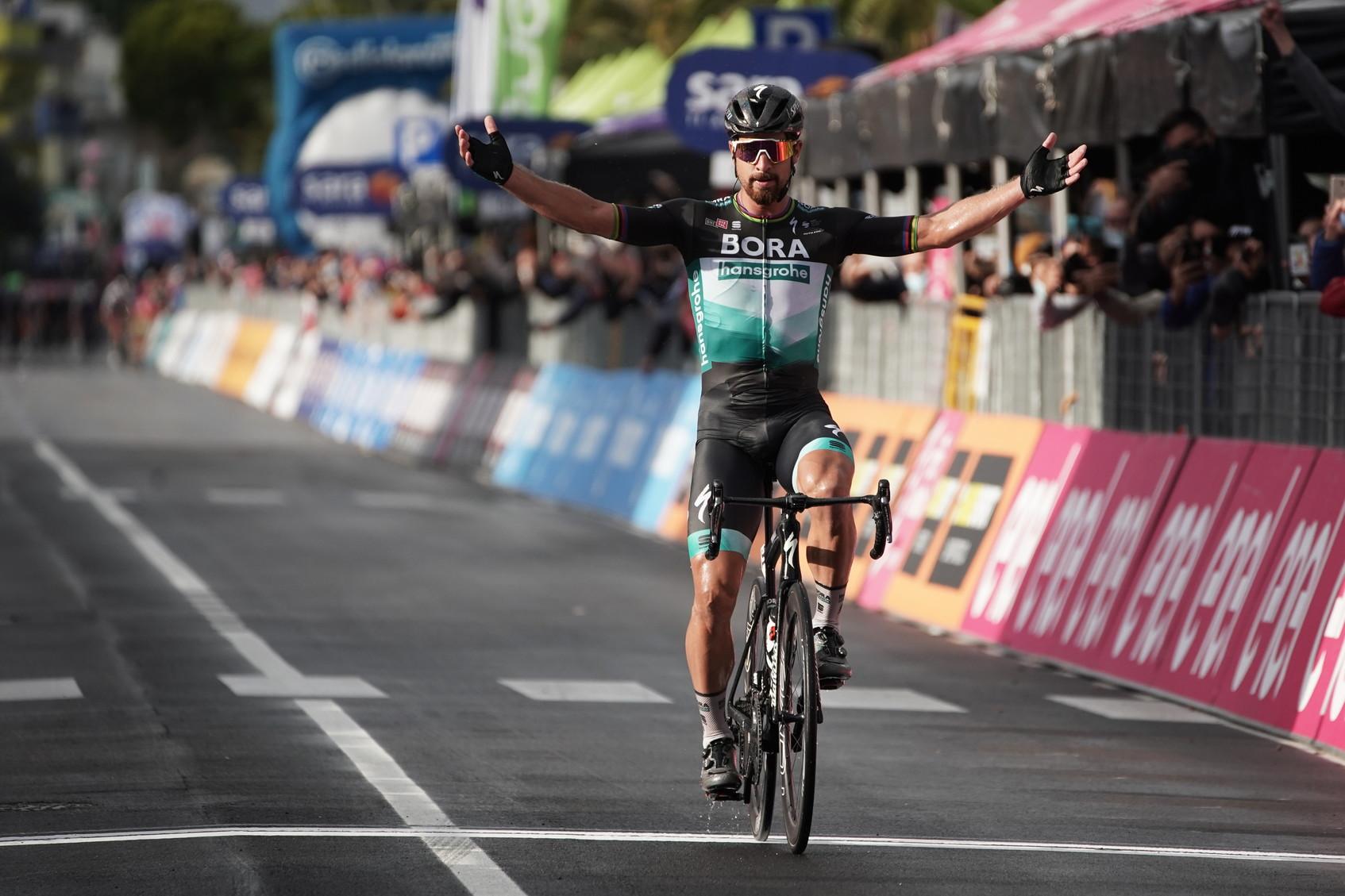 La decima tappa del Giro d&rsquo;Italia 2020,&nbsp;da Lanciano a Tortoreto, viene meritatamente vinta da&nbsp;Peter Sagan. Lo slovacco precede&nbsp;Brandon McNulty&nbsp;e la maglia rosa&nbsp;Joao Almeida.<br /><br />