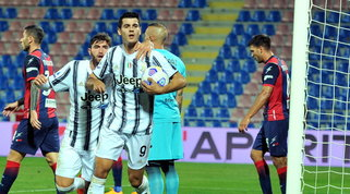 La Juve non sfonda, pari amaro a Crotone: esordio con rosso per Chiesa