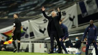 Il Tottenham scappa e poi spreca, clamorosa rimonta West Ham