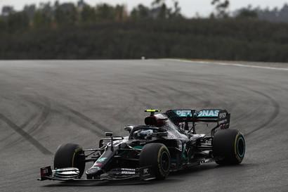 Lewis Hamilton vince a Portimao davanti a Bottas e Verstappen.<br /><br />