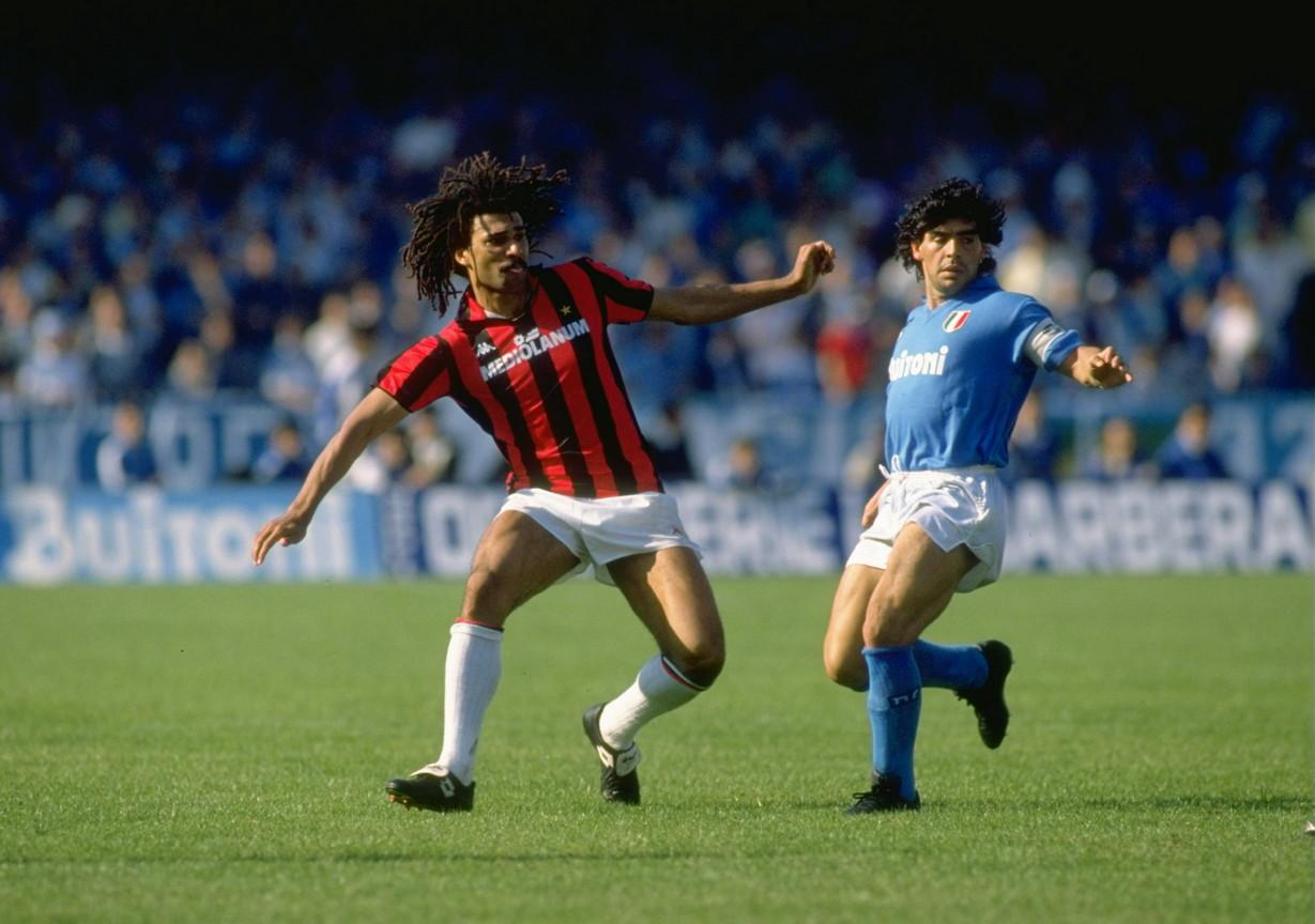 La stagione 1987/88 vide un duello avvincente tra Milan e Napoli per la conquista del tricolore, vinto alla fine dai rossoneri di Gullit e Van Basten.