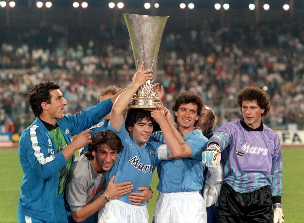 Non solo i due scudetti, ma anche la Coppa Uefa del 1989 vinta in finale contro lo Stoccarda.