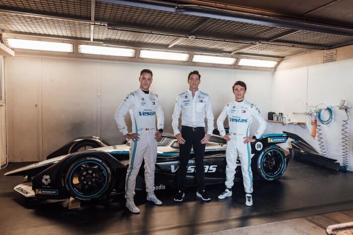 Svelata la Silver Arrow 02 per la season 7 che sar&agrave; guidata dai confermati Vandoorne e De Vries.<br /><br />