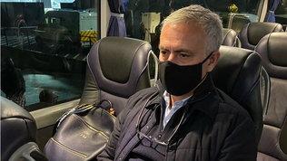 """Tottenham, Mourinho """"sconvolto"""" e furioso: """"Allenamento alle 11..."""""""