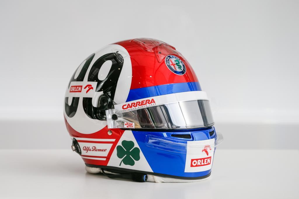 Livrea speciale per il casco di Antonio Giovinazzi che, dopo aver firmato il rinnovo, ha voluto dedicare il proprio casco per il GP ad Imola all&#39;Alfa Romeo. I dettagli del casco del pilota italiano ricordano infatti la storica Alfa Romeo T33<br /><br />