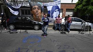 Argentina, Maradona ricoverato: tifosi e tv fuori dalla clinica