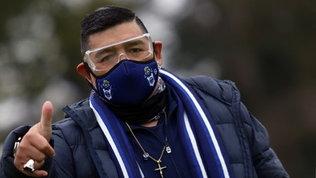 """Maradona operato con successo al cervello . I medici: """"Tolto coagulo di sangue"""""""