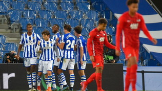 La Real Sociedad stende l'Az. Tris Spurs, Benfica-Rangers pari-show