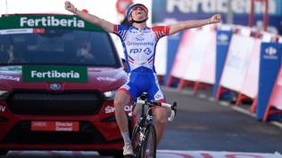Roglic respinge l'assalto di Carapaz: la Vuelta è ormai sua. Tappa a Gaudu