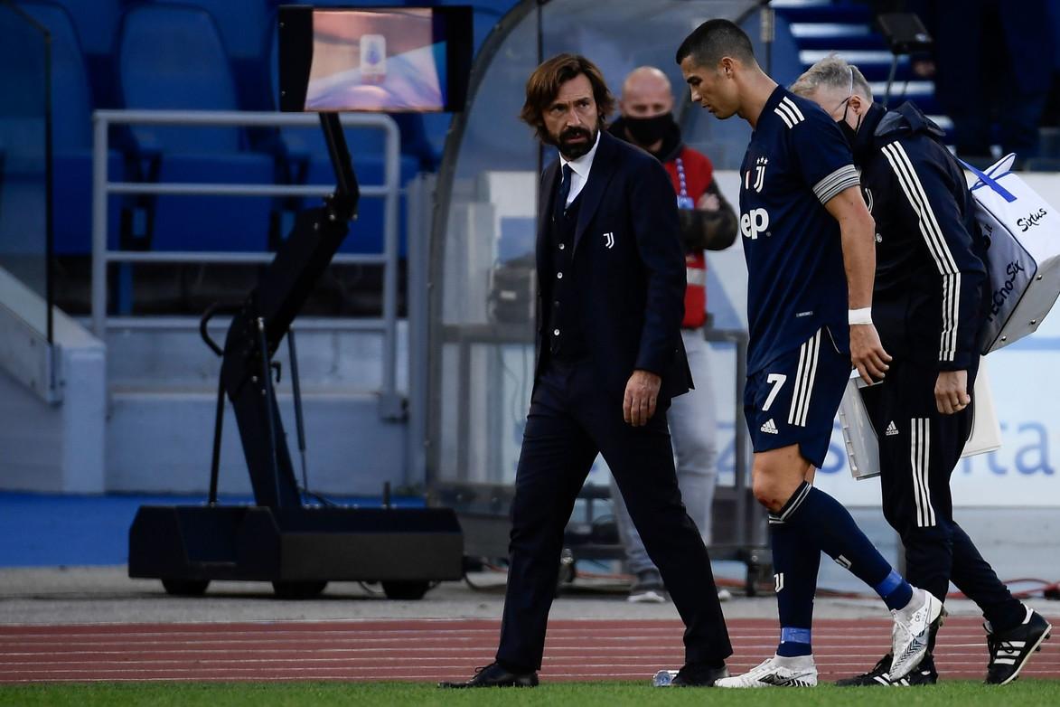 Minuto 76&#39;. Con la Juve in pieno controllo del match proprio grazie a un suo gol, Cristiano Ronaldo alza bandiera bianca ed &egrave; costretto a lasciare il campo.&nbsp;&quot;Ho sentito la caviglia girarsi&quot; le parole che il portoghese&nbsp;mormora mentre esce dopo l&#39;infortunio in un contrasto con Luis Alberto&nbsp;e che gelano il sangue a Pirlo e ai tifosi della Juventus.&nbsp;Le prossime ore saranno decisive per valutare entit&agrave; del trauma subito (che sia solo una forte contusione oppure qualcosa di peggio) ed eventuali tempi di recupero. Se CR7 lascia tutti col fiato sospeso, preoccupano anche le condizioni di Paulo Dybala.&nbsp;L&#39;attaccante argentino, decisivo in negativo nella sfida pareggiata oggi 1-1 dai bianconeri con la Lazio, non potr&agrave;&nbsp;rispondere alla convocazione della sua Nazionale per &quot;problemi genito-urinari&quot;. &Egrave;&nbsp;stata la federazione stessa a comunicarlo in un tweet, spiegando che la Joya necessita &quot;di riposo e nuove valutazioni&quot; e rester&agrave;&nbsp;quindi a Torino nelle prossime due settimane.&nbsp;<br /><br />