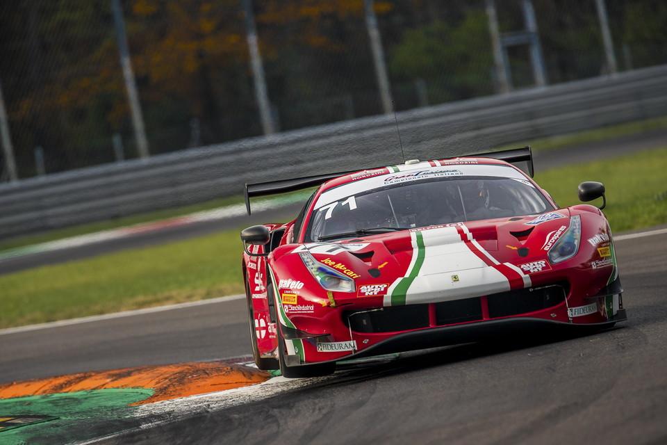 Roda-Rovera-Fuoco su Ferrari 488 sono i nuovi campioni italiani dopo il successo nella tre ore di Monza che ha regalato grande spettacolo. Foto di Fabrizio Viviani e Thomas Cappelletti<br /><br />
