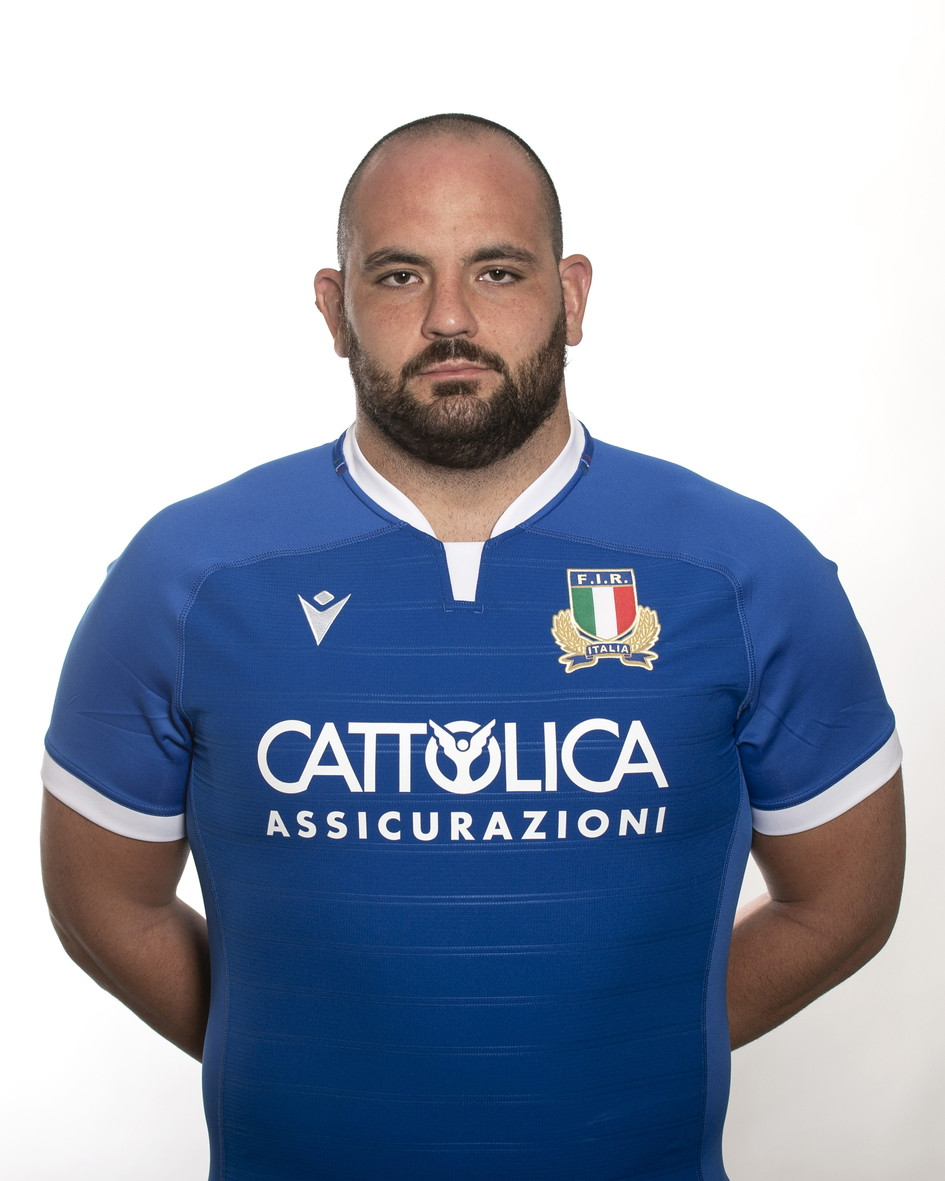 Simone Ferrari (Cernusco sul Naviglio, 28 marzo 1994). Pilone della Benetton Treviso. 31 caps con l'Italrugby.