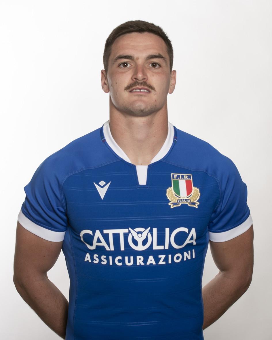 Carlo Canna (Benevento, 25 agosto 1992). Mediano d'apertura delle Zebre. 44 caps.