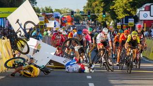 Incidente in volata al Tour di Polonia, nove mesi di stop a Groenewegen