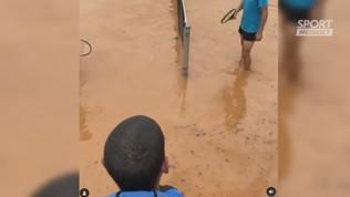 Il fratello di Tsitsipas si dà al tennis... acquatico
