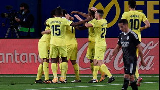 L'Atletico Madrid batte il Barça e aggancia la vetta, pari Real