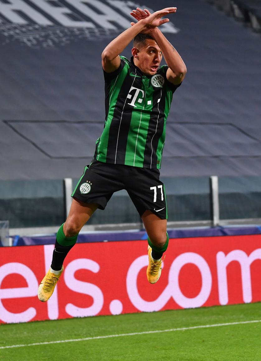 Piccola grande soddisfazione per&nbsp;Myrto Uzuni: l&#39;attaccante del Ferencvaros ha aperto la sfida di Champions League contro la Juventus con un bel gol al 19&#39;. Una rete allo Stadium che l&#39;albanese ha voluto festeggiare esultando come Cristiano Ronaldo proprio davanti a CR7, nel suo stadio.<br /><br />