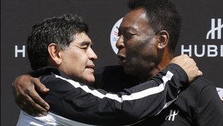 """Pelésaluta Maradona: """"Un giorno giocheremo insieme nel cielo"""""""