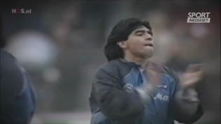"""Maradona e il mitico riscaldamento """"ballato"""" del 1989  Guarda il video"""