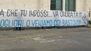 """Inter, minacce ultrà alla squadra: """"Fuori i cog***i o veniamo coi bastoni"""""""