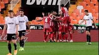 Liga: un autogol di Lato spiana la strana all'Atletico a Valencia, crolla il Real Madrid in casa contro l'Alaves
