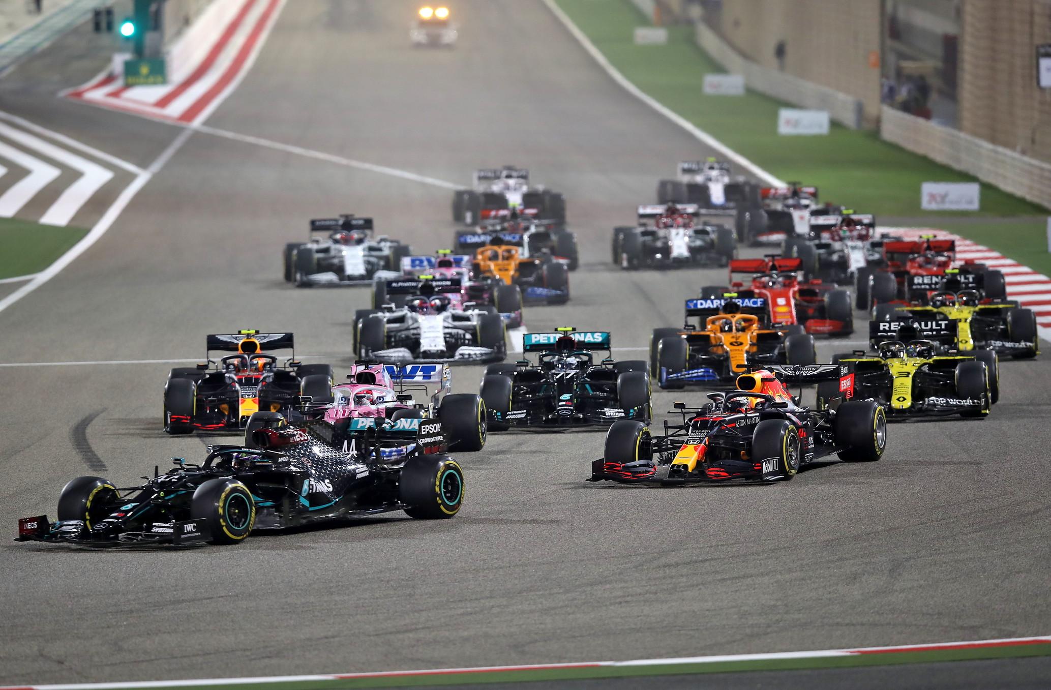 Hamilton vince il GP del Bahrain che verr&agrave; ricordato per gli incidenti mozzafiato di Grosjean e Stroll<br /><br />