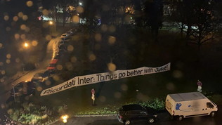 Botti, lattine e striscione: itifosi del Gladbach svegliano l'Inter alle 4