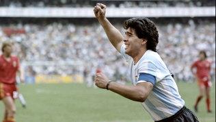 "France Football: ""Maradona avrebbe vinto due Palloni d'Oro"". E Pelé..."