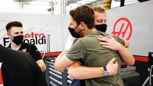 Grosjean torna nel paddock: che festa nel box Haasdopo la grande paura
