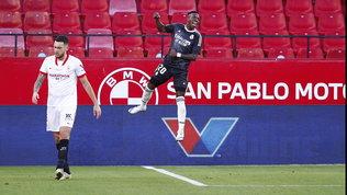 Liga: l'Atletico vince e vola in testa, il Real si rialza grazie a un autogol. Barça ko a Cadice
