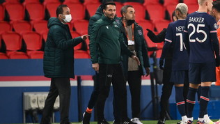 Demba Ba, attaccante della formazione turca, ha denunciato di esser stato insultato dal romeno Coltescu