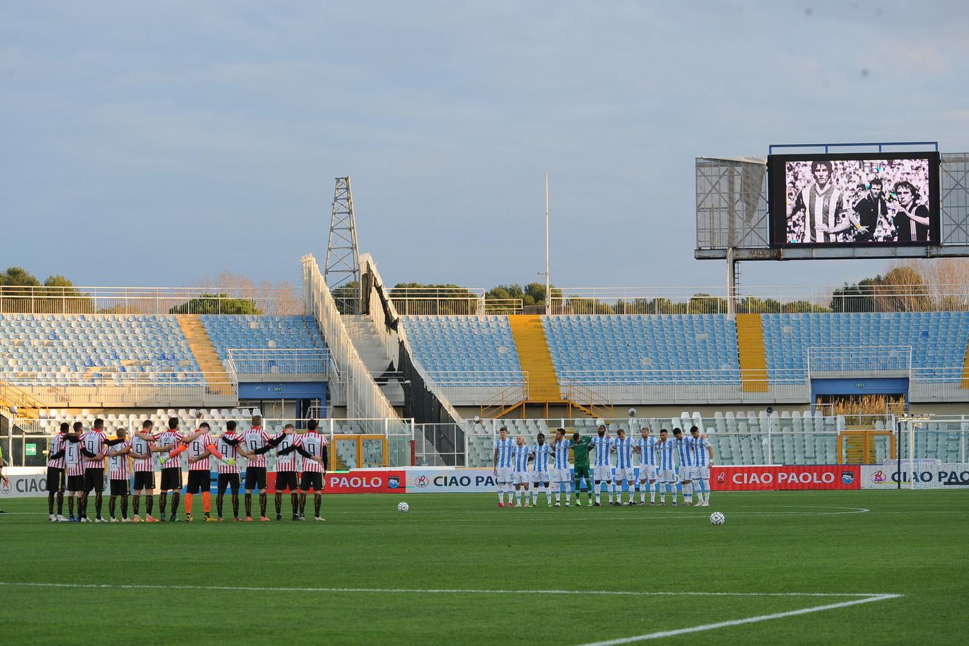 Anche il suo Vicenza ha ricordato Paolo Rossi all&rsquo;Adriatico di Pescara. I giocatori infatti sono scesi sul terreno di gioco con una maglia biancorossa con il numero 9 in ricordo del campione del mondo scomparso.<br /><br />
