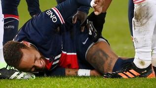 Neymar, brutto infortunio alla caviglia in Psg-Lione