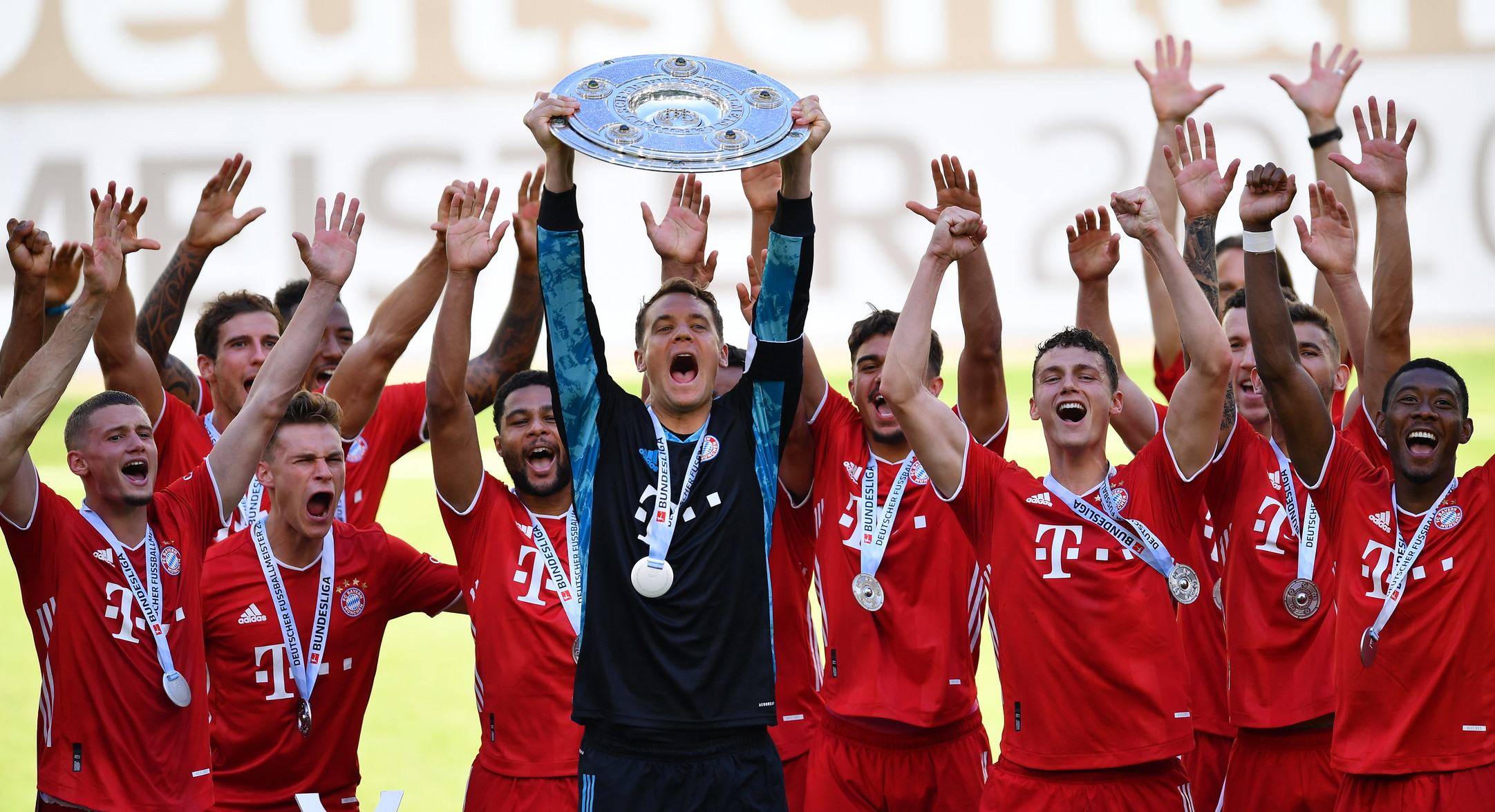 Calcio, Germania: Bundesliga-Bayern Monaco; Coppa di Germania: Bayern Monaco; Supercoppa tedesca: Bayern Monaco