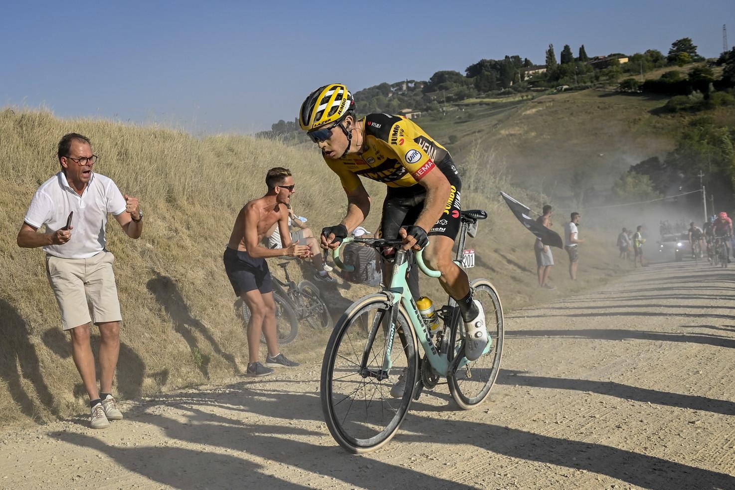 Ciclismo, Strade bianche: Van Aert