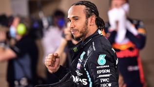 """Hamilton scioglie i dubbi e rinnova, la Mercedes: """"Presto la firma"""""""