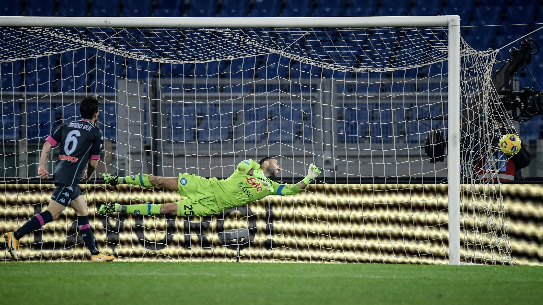 Lazio-Napoli 2-0, le migliori foto del match<br /><br />