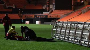 Tragedia in Ligue 1: morto un giardiniere colpito dai riflettori